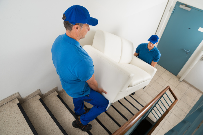 Four Advantages of Using a Furniture Delivery Service